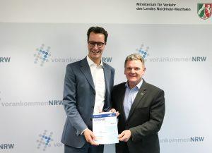 Verkehrminister H. Wüst und Präsident S. Klett